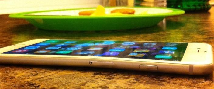 اپل: درباره خم شدن آیفون ۶ پلاس